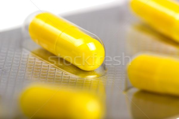 Geneeskunde capsules geïsoleerd witte medische gezondheid Stockfoto © nemalo