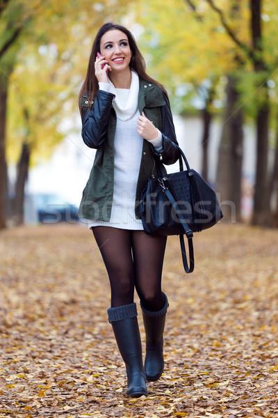 美少女 話し 電話 秋 屋外 肖像 ストックフォト © nenetus