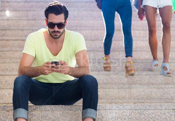 Moço telefone móvel rua retrato homem cidade Foto stock © nenetus