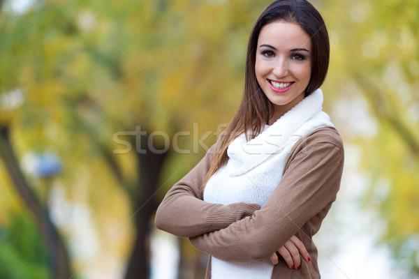 Beautiful girl olhando câmera outono ao ar livre retrato Foto stock © nenetus