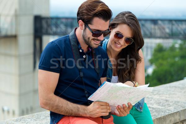 Jonge toeristische paar stad kaart Stockfoto © nenetus