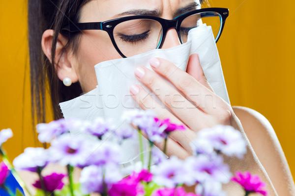 Alérgico pólen jovem buquê flores retrato Foto stock © nenetus