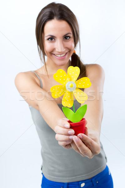 Belle jeune femme une artificielle Daisy Photo stock © nenetus