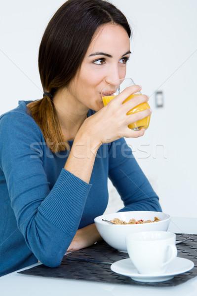 Stockfoto: Jonge · vrouw · genieten · ontbijt · keuken · ochtend · gelukkig
