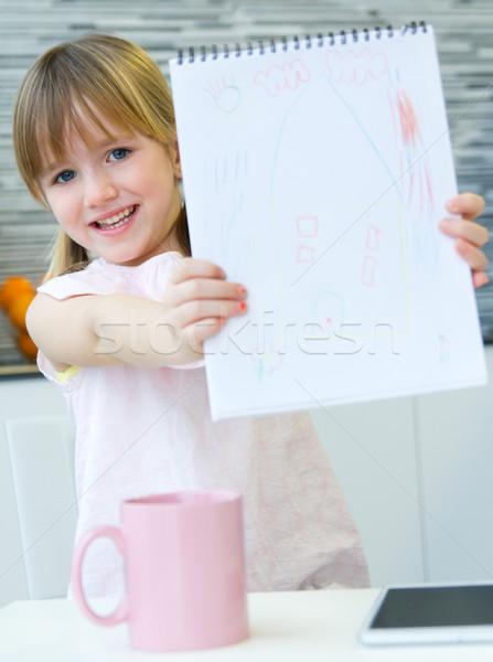 Dziecko rysunek kredki posiedzenia tabeli kuchnia Zdjęcia stock © nenetus