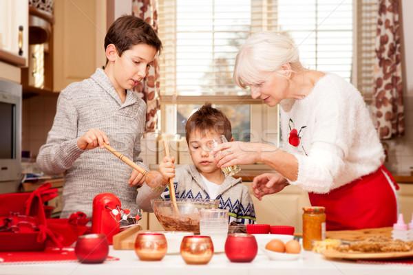 Stock fotó: Nagymama · konyha · karácsony · mosolyog · sütés · sütik