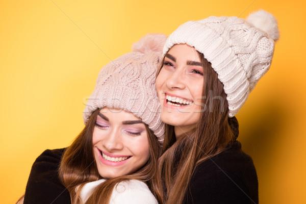 Foto stock: Feliz · jovem · irmãs · posando