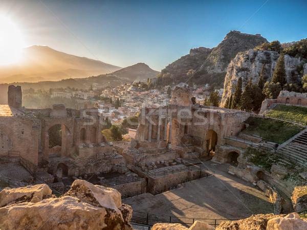 Krajobraz starożytnych teatr grecki wulkan południowy Zdjęcia stock © NeonShot
