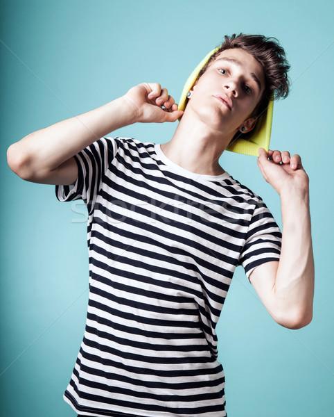 Jonge knappe man modieus knap vent poseren Stockfoto © NeonShot