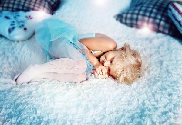 Peu fille dormir cute grand Photo stock © NeonShot