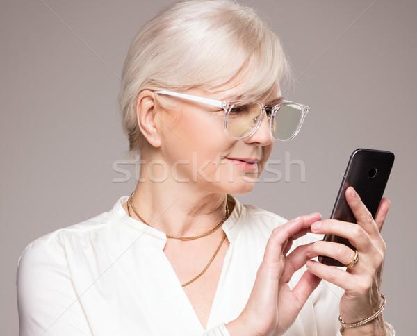 элегантный старший женщину студию красивая женщина позируют Сток-фото © NeonShot