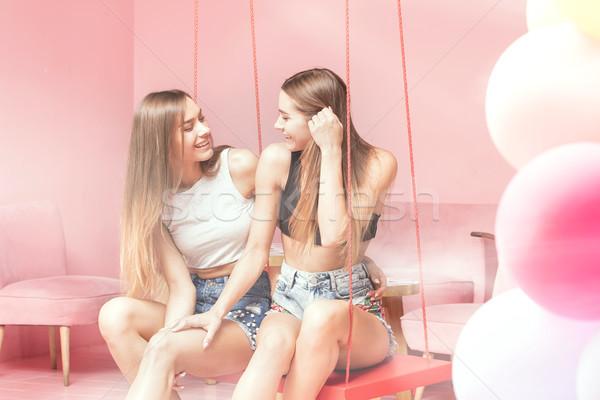Güzel ikizler gülen birlikte mutlu Stok fotoğraf © NeonShot