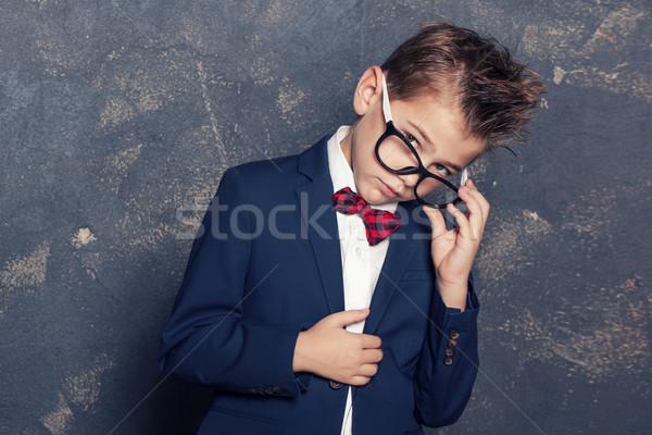 Foto d'archivio: Elegante · piccolo · ragazzo · suit · indossare