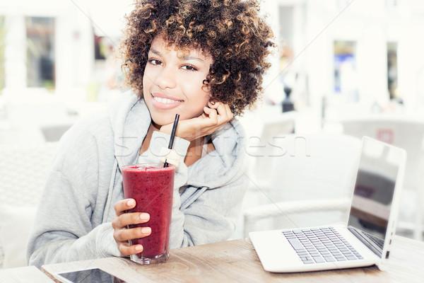 Stock fotó: Fiatal · diák · iszik · friss · gyönyörű · afroamerikai