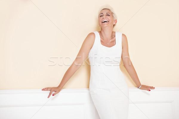Blond elegante dame blonde vrouw kort kapsel Stockfoto © NeonShot