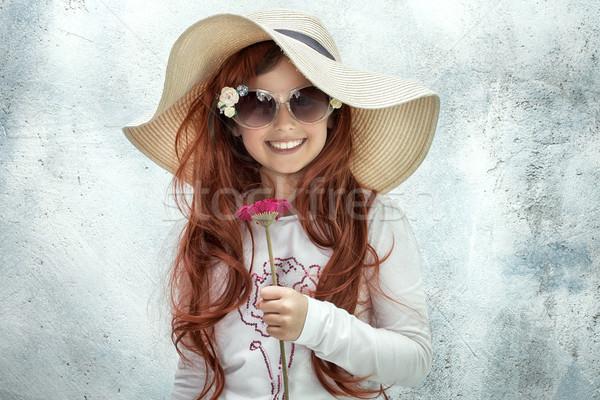 Sorridente little girl seis pequeno menina posando Foto stock © NeonShot
