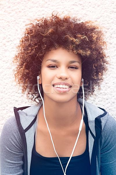 соответствовать девушки афро позируют Открытый фото Сток-фото © NeonShot