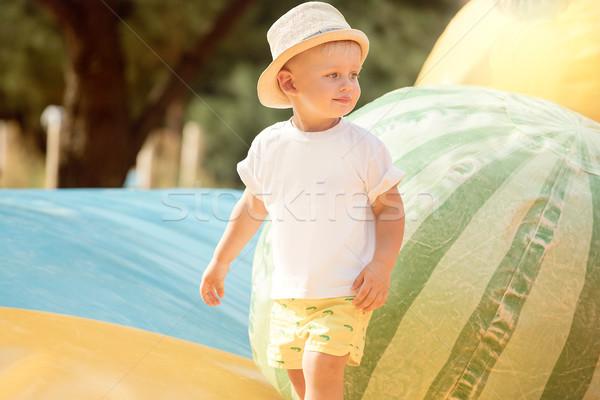 Weinig jongen spelen park baby Stockfoto © NeonShot