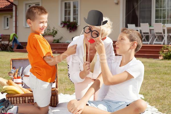 Rodziny urodziny szczęśliwy matka ogród zewnątrz Zdjęcia stock © NeonShot
