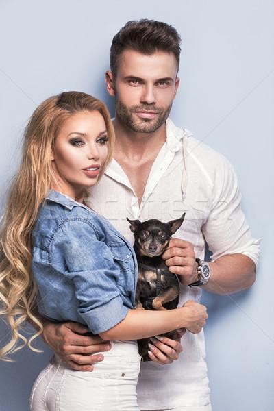 Stok fotoğraf: Güzel · çift · poz · birlikte · küçük · köpek