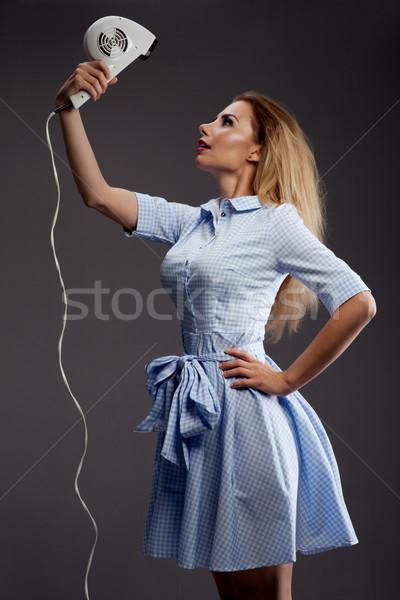 Szőke nő lány hajszárító gyönyörű szőke nő retró stílus Stock fotó © NeonShot