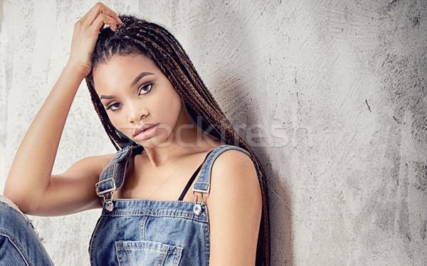 Divatos afroamerikai lány fiatal gyönyörű nő Stock fotó © NeonShot