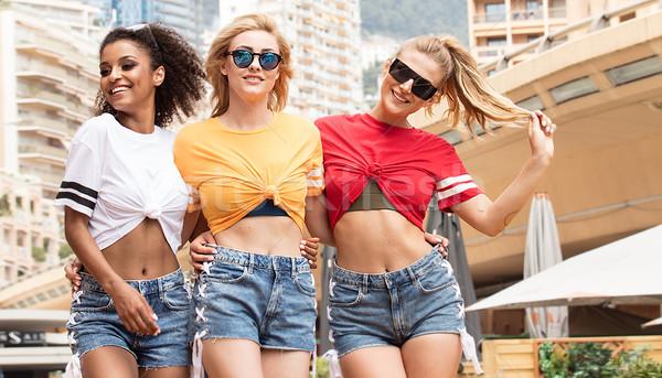 Heureux filles été temps groupe Photo stock © NeonShot