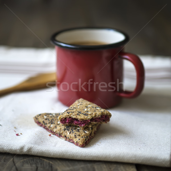 Beker koffie cookies houten achtergrond Stockfoto © nessokv