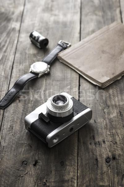 Rétro caméra table Photo stock © nessokv