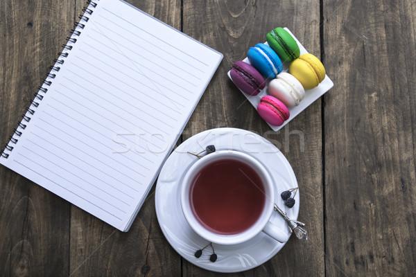 Beker thee kleurrijk witte notebook houten tafel Stockfoto © nessokv