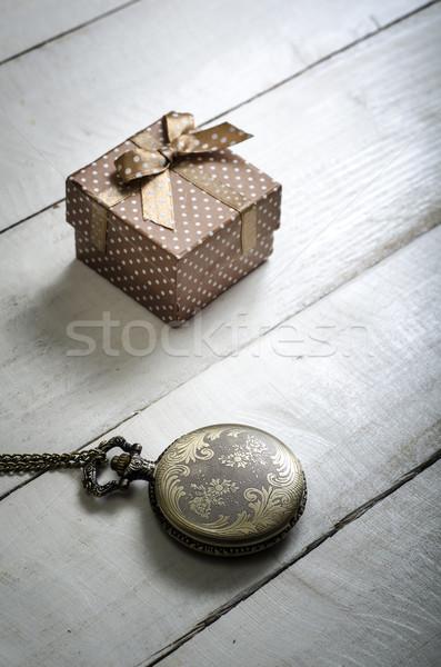 Relógio de bolso caixa de presente relógio fundo Foto stock © nessokv