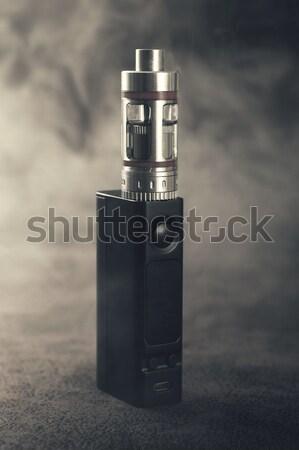 Elettronica sigaretta alternativa fumare vintage guardare Foto d'archivio © nessokv