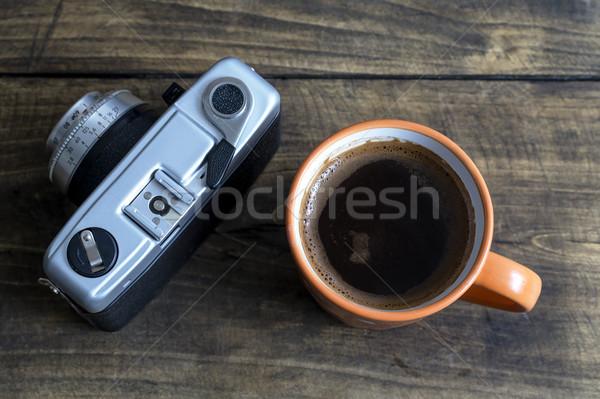 Beker koffie retro camera hout licht Stockfoto © nessokv