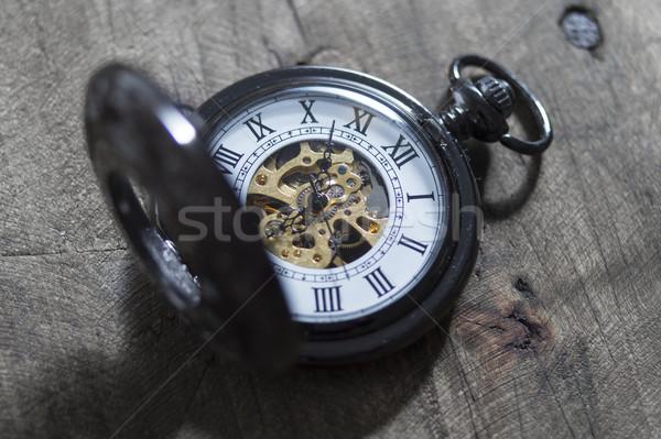 Edad reloj de bolsillo vintage metal tiempo oscuro Foto stock © nessokv