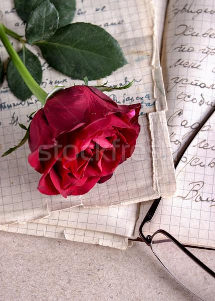 красную розу старой бумаги старые закрывается дизайна красоту Сток-фото © nessokv