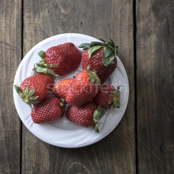 Witte plaat vers aardbeien zomer Rood Stockfoto © nessokv