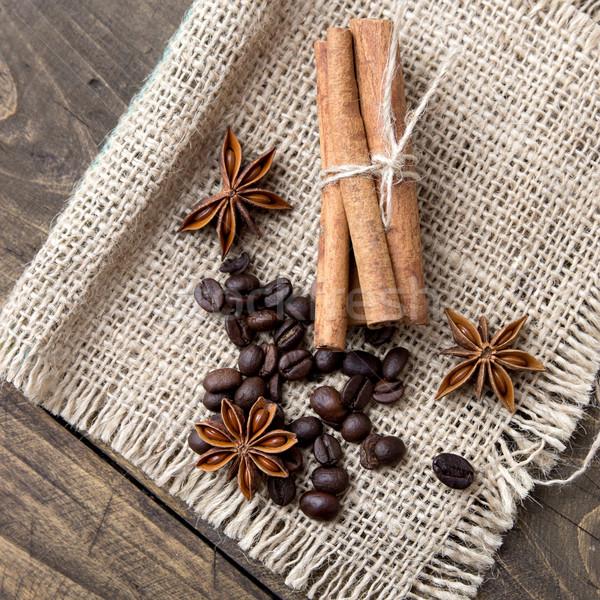 Kávé magvak fűszer fából készült kávézó makró Stock fotó © nessokv