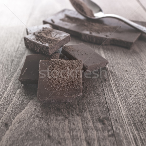 Gebroken chocolade poeder dessert fotografie Stockfoto © nessokv