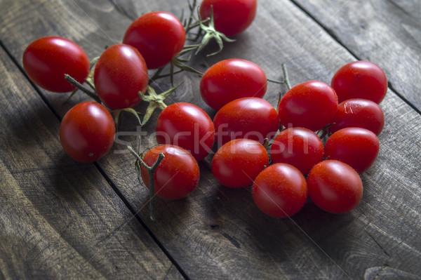 Tomate cherry mesa de madera alimentos madera otono Foto stock © nessokv