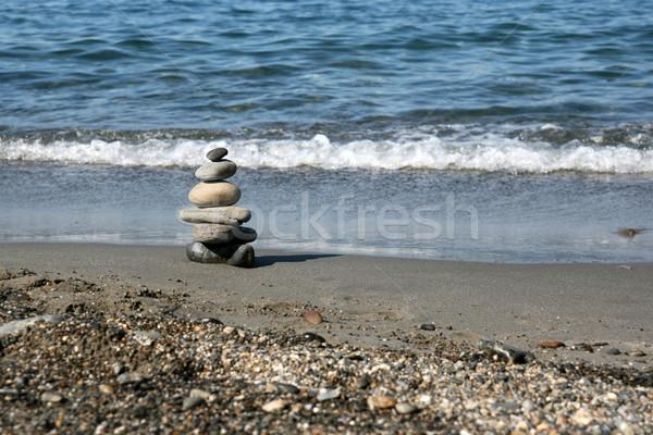 Gestapelt Steine Strand Symbol Schwerpunkt Stock foto © newt96