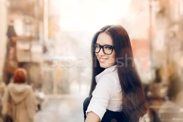 Stock fotó: Fiatal · nő · szemüveg · ki · város · gyönyörű · lány