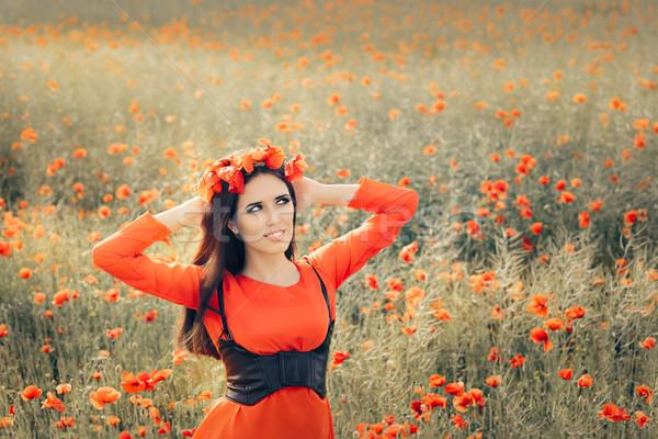Mooie vrouw krans veld klaprozen portret Stockfoto © NicoletaIonescu