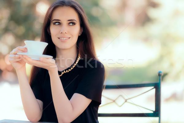 Mooie vrouw ketting beker koffie brunette drinken Stockfoto © NicoletaIonescu