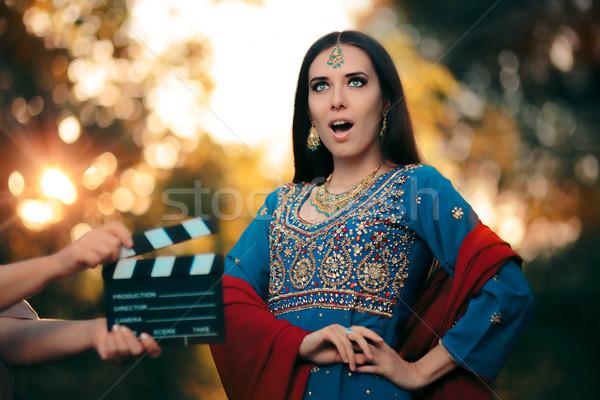 Meglepődött Bollywood színésznő visel indiai ékszerek Stock fotó © NicoletaIonescu