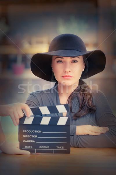 Elegante diva klaar jonge vrouw hoed Stockfoto © NicoletaIonescu