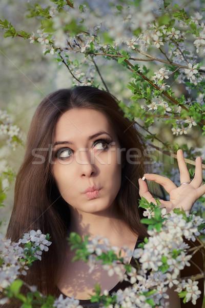 Surpreendido menina alergia alérgico pílulas Foto stock © NicoletaIonescu