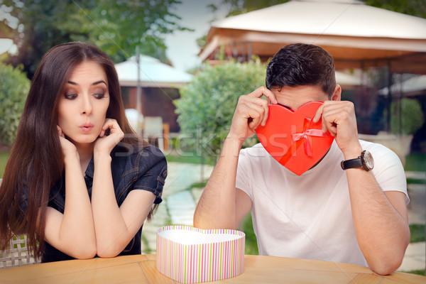 Fiúbarát megszégyenített Valentin nap ajándék barátnő rossz Stock fotó © NicoletaIonescu