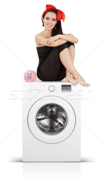 Cute ragazza salvadanaio lavatrice giovani casalinga Foto d'archivio © NicoletaIonescu