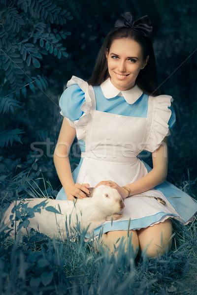 Stock fotó: Lány · csodaország · fehér · nyúl · portré · mosolyog