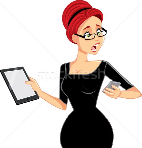 занят деловая женщина смартфон таблетка вектора Cartoon Сток-фото © NicoletaIonescu